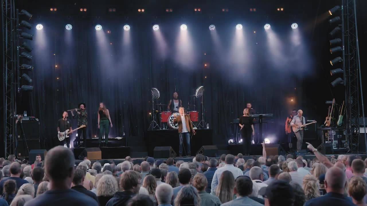 Geddens tænder vender bagud.  Maria Malmø som solist med Lars. Næste koncert Nykøbing Falster. Kamera Frank Rosgaard og Sofus Lilholt. Klip Frank Rosgaard
