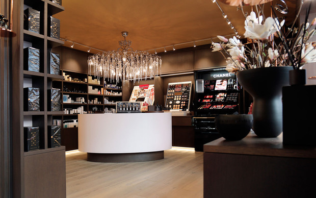 Innova Distribution unveils Stefani Parfumerie in VivoCity