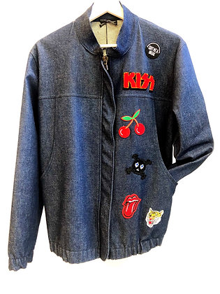 Bomber jacket in tela denim con patch