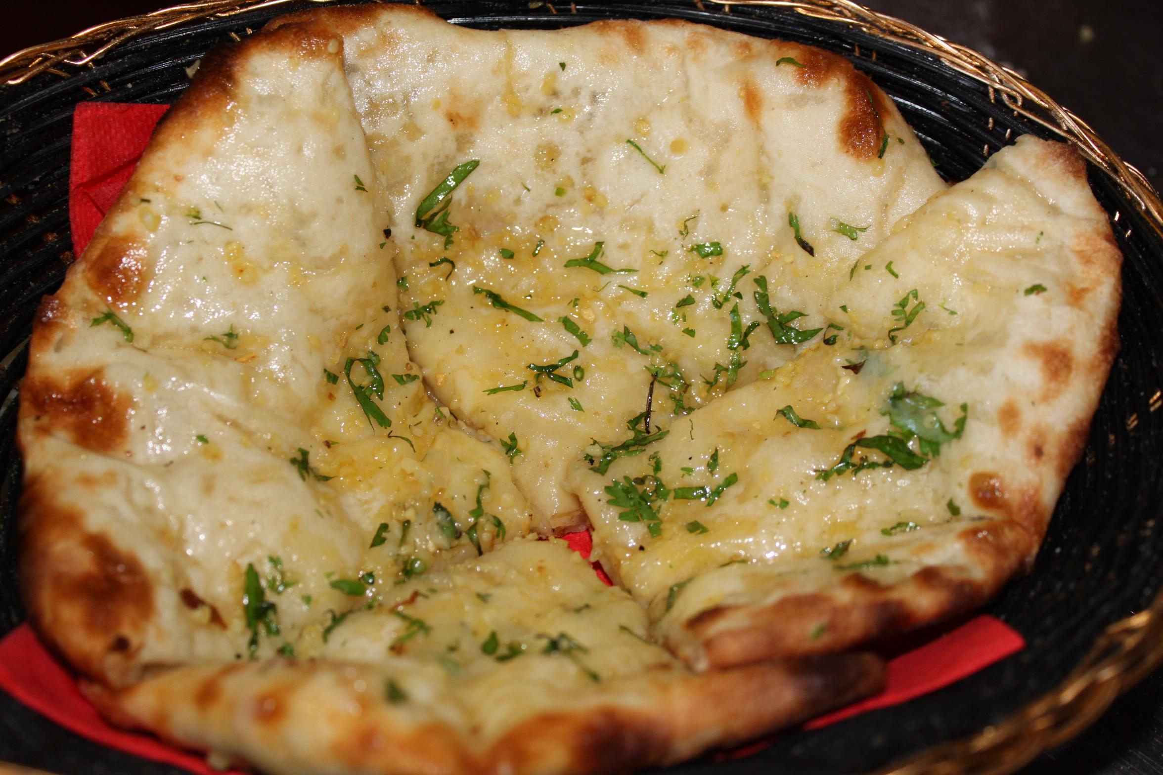 Cheese & Garlic Naan