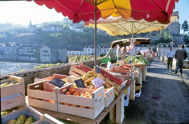 Jeudi - marché à Terrasson