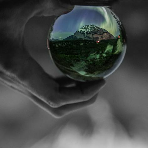 Aurora in a ball