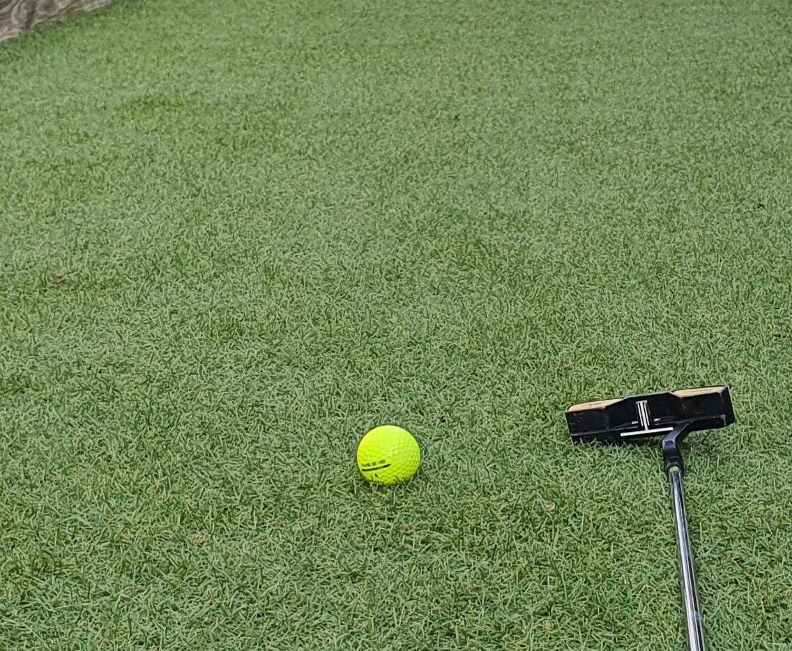 Golf. Putting d'entrainement de 12m