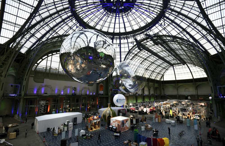 Solutions, art&science works production for the group show, scenography, supply-chain - Galeries nationales du Grand Palais, Paris, 2015