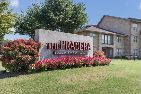 Pradera on East side - UT Dallas