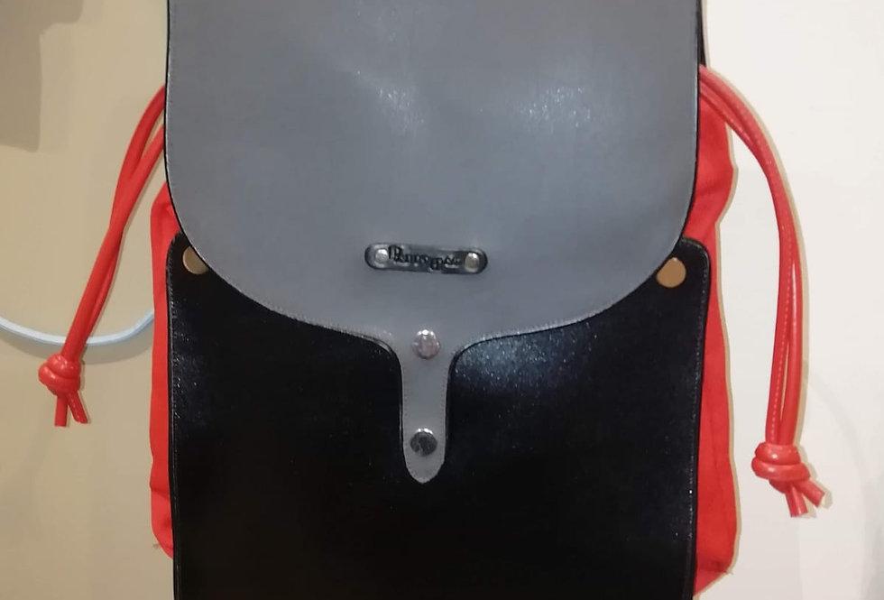 Zaino nero in pelle bicolore