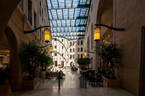 חצר במלון אסטוריה, ירושלים