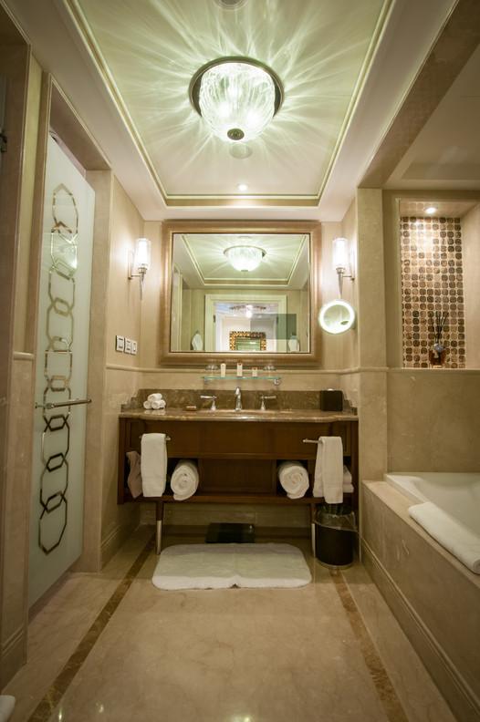 צילום אמבטיה, מלון וולדורף אסטוריה ירושלים