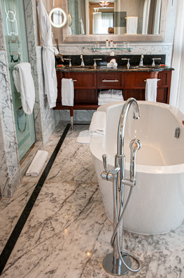 חדר האמבטיה במלון אסטוריה, ירושלים