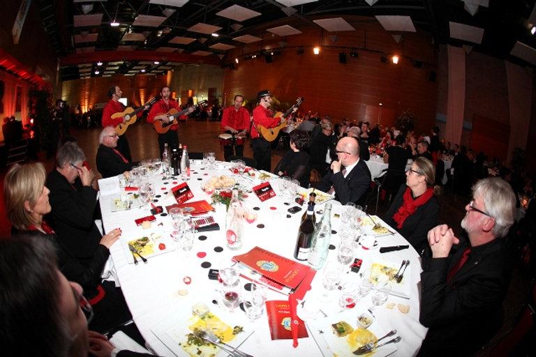 groupe de musique sur le thème de l'Espagne, Côte Azur, Grasse, Cannes, flamenco rumba avec danseuse, France - Gard
