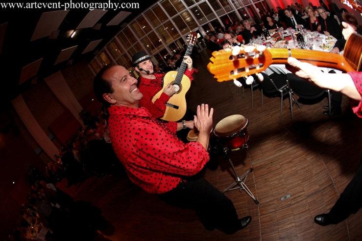 groupe de musique espagnole, flamenco rumba, animation gipsy, danseuse et musicien