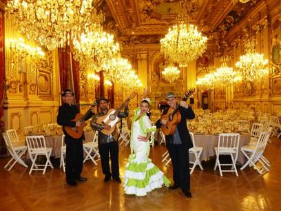 photo danseuse flamenco avec guitariste.