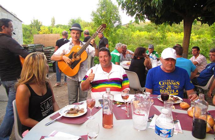 groupe de musicien flamenco pour vin d'honneur de mariage, animation flamenco, guitariste, danseuse, lunch, cocktail dinatoire