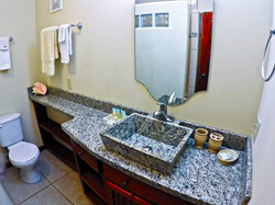 Dolce Acqua bathroom