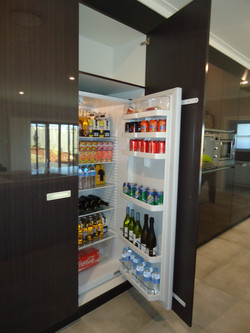 Concealed fridge by SMW