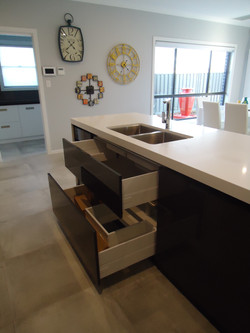 Kitchen by SMW - sink drawers