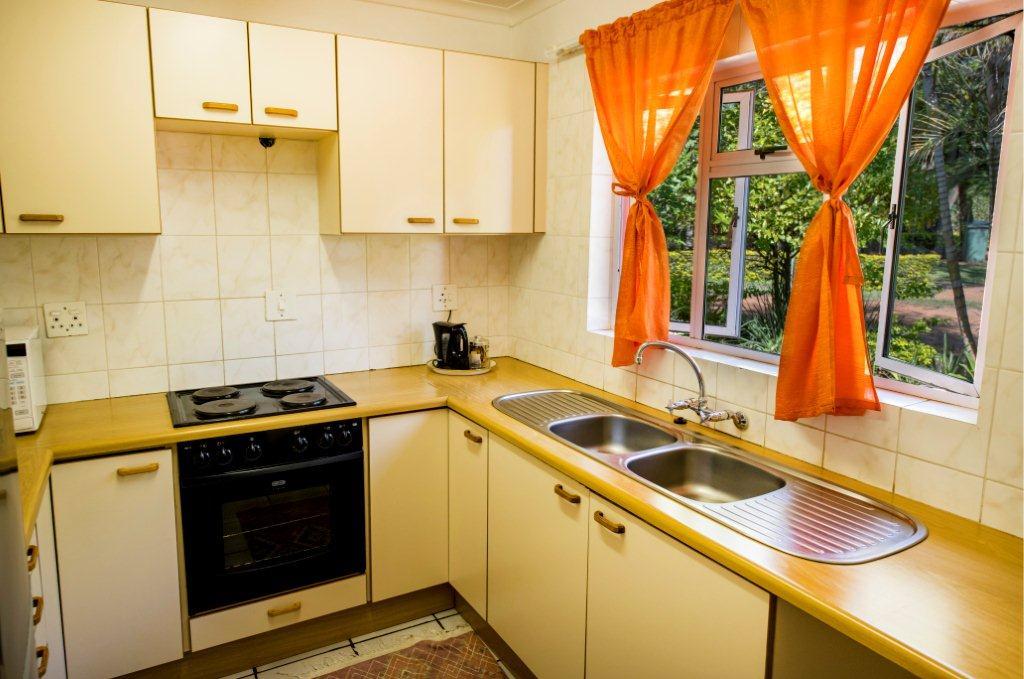 2 Bedroom Chalets Kitchen