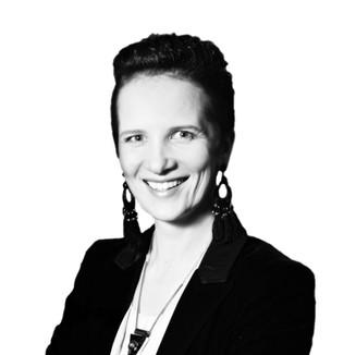 Laura Dennler: Ugunsskolas dibinātāja