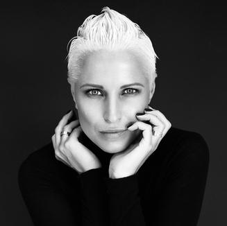 Liāna Brūvere: Koshumm īpašniece, fotogrāfe