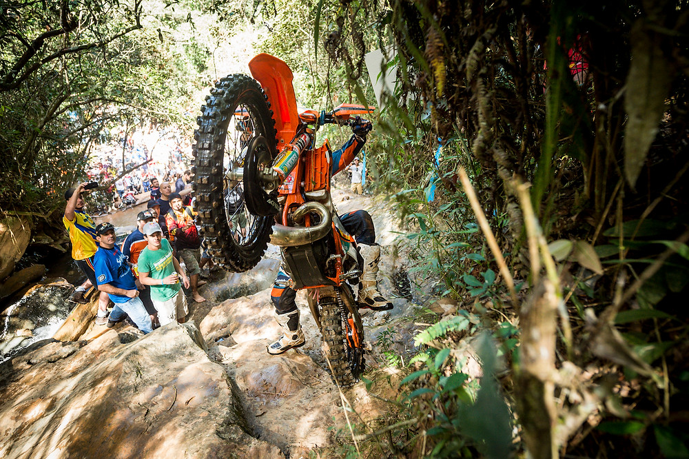 Alfredo Gomez performs during the first stage of Red Bull Minas Riders 2016 in Belo Horizonte, Brazil on april 17, 2016