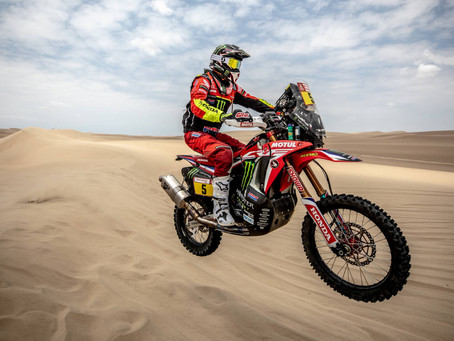 Barreda off to a flying start as the Dakar gets underway in Pisco with Monster Energy Honda in top p