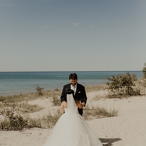 Seema+Thomas: Photos by Hallie Kohler Photography