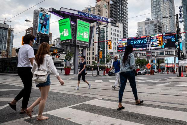 """La oposición crece al considerar los costos del cambio del nombre de """"Dundas Street""""."""