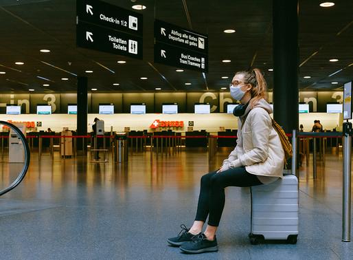 Canadá agrega un mes más de restricciones de viaje