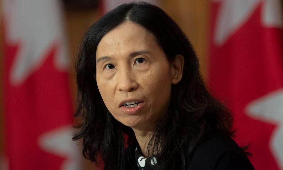 """La directora de salud pública, la Dra. Theresa Tam, dijo que se requerirán """"esfuerzos combinados consistentes y fuertes"""" para doblar la curva y reducir los números de COVID-19, incluidas las personas que limitan aún más su número de contactos."""