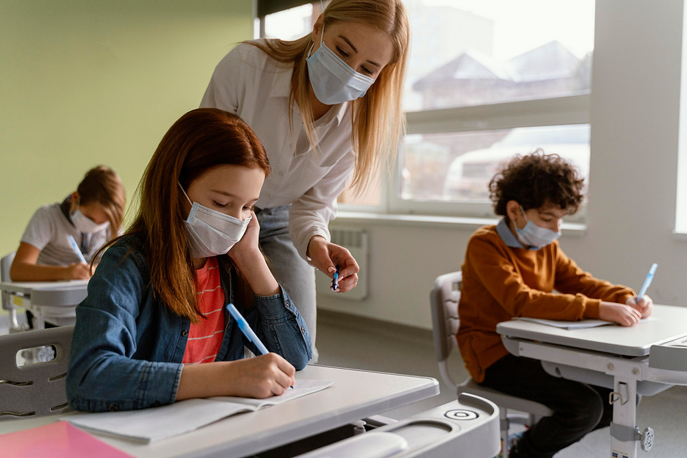 Algunos maestros elegibles no podrán recibir su vacuna COVID-19 esta semana.