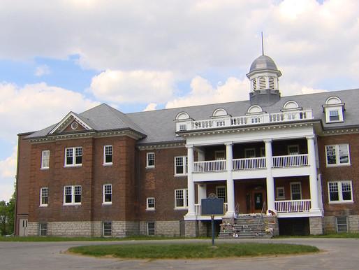 Tumba sin nombre es descubierta en el sitio de la antigua escuela residencial del Instituto Mohawk