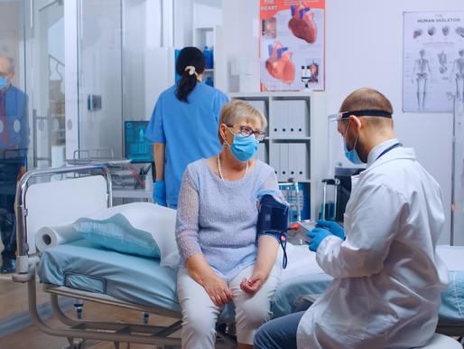 Los pacientes con COVID-19 disminuyen en las UCI mientras las nuevas infecciones aumentan en Ontario