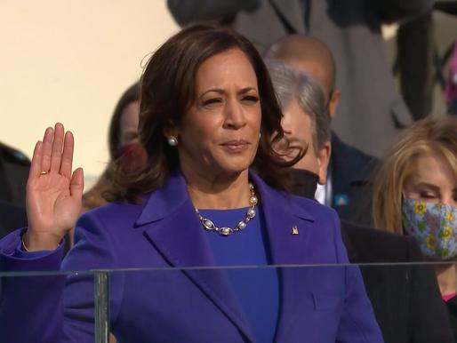 Harris juró como primera mujer vicepresidenta