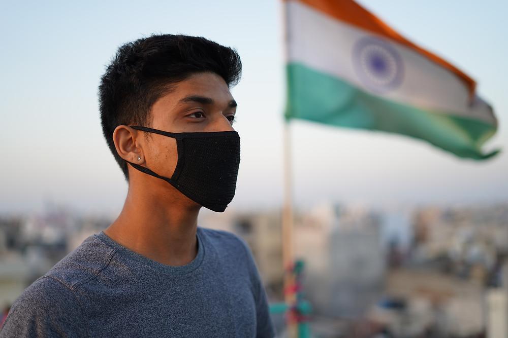 Canadá contempla restricciones de viaje desde India debido al aumento masivo de COVID-19.