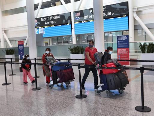Retrasos y frustración a medida que los viajeros regresan a Canadá