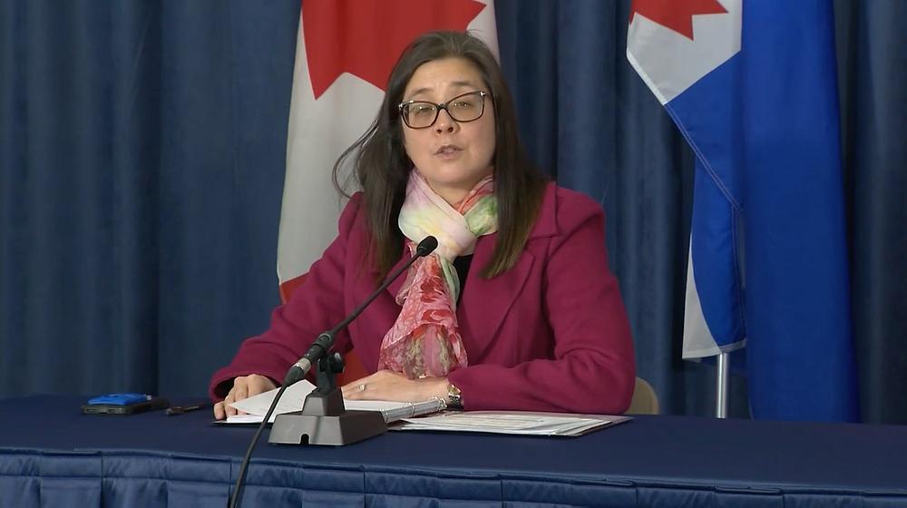 Más de 700 casos de variantes preocupantes se están examinando en Toronto; eso representa un aumento de más de 200 casos.