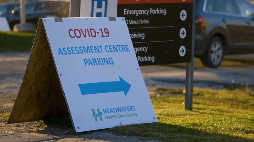 Centro de evaluación COVID-19 de Headwater Heath Care Centre en Orangeville.