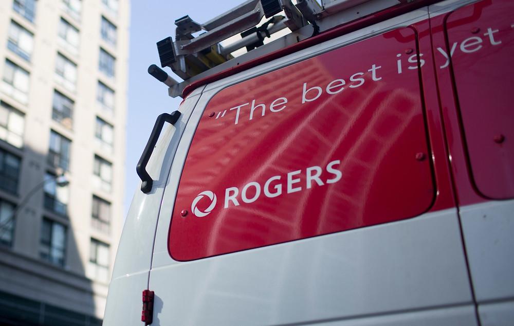Clientes de servicios inalámbricos de Rogers afectados por importantes interrupciones del servicio nacional.