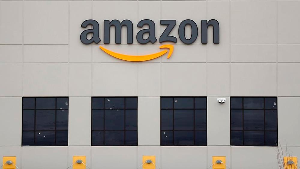 centro logístico de Amazon DTW1 se muestra en Romulus, Michigan.