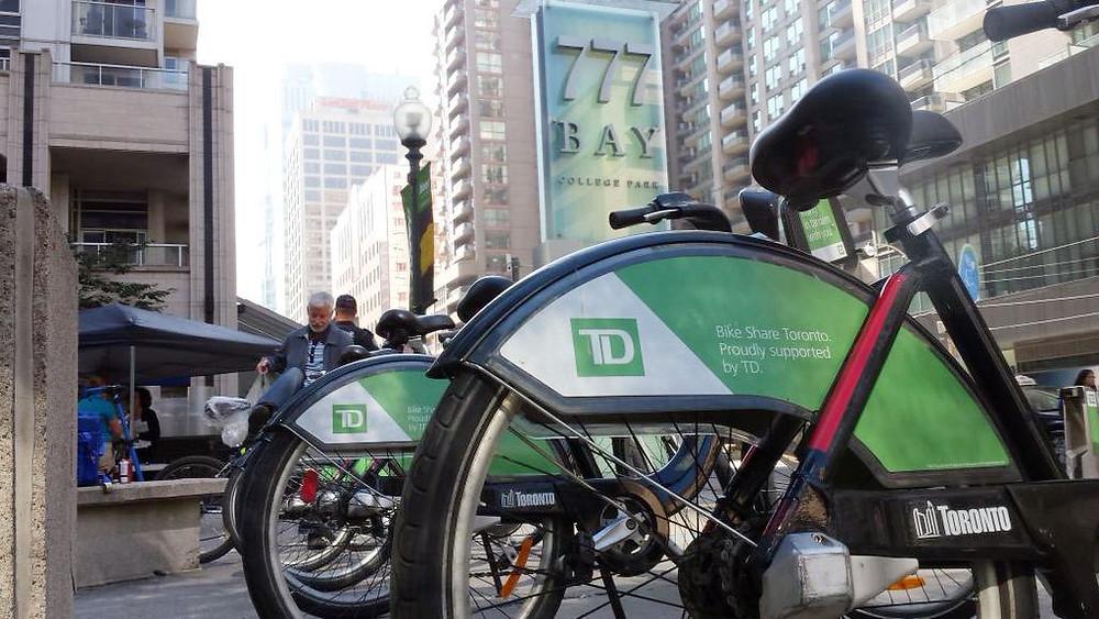 Bicicletas en una estación en Bay Street en Toronto, 23 de septiembre de 2015.