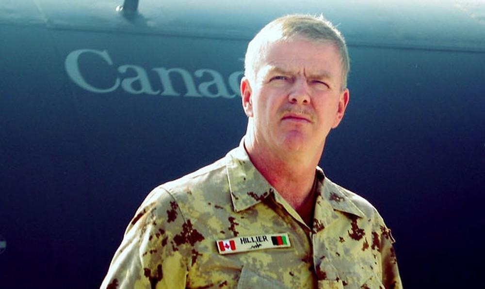 El general Rick Hillier en Kandahar en una foto de archivo de 2006.