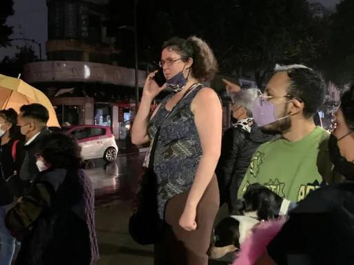 Fuerte terremoto golpea cerca de Acapulco, México