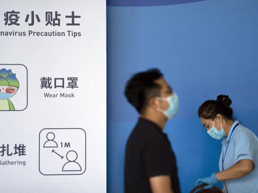 Ciudad china con brote de coronavirus detiene autobuses y trenes