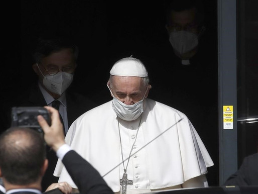 El Papa Francisco acude al hospital de Roma para una cirugía