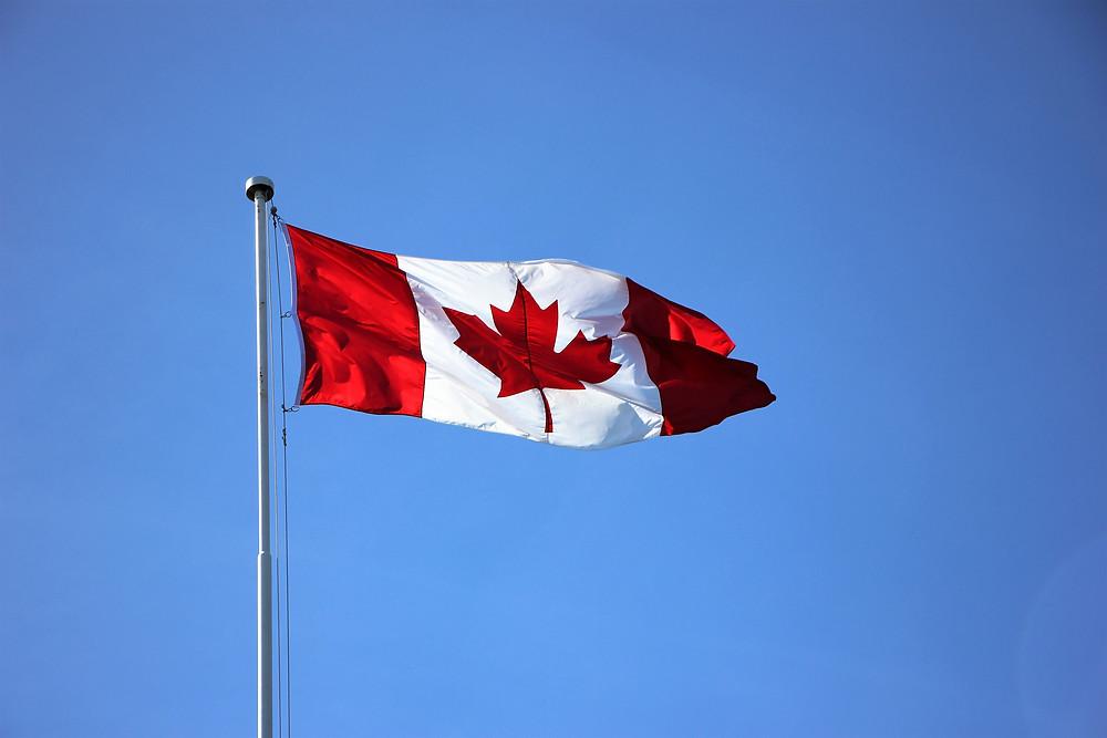 El lanzamiento de vacunas impulsa la confianza canadiense al nivel más alto desde el 2009.
