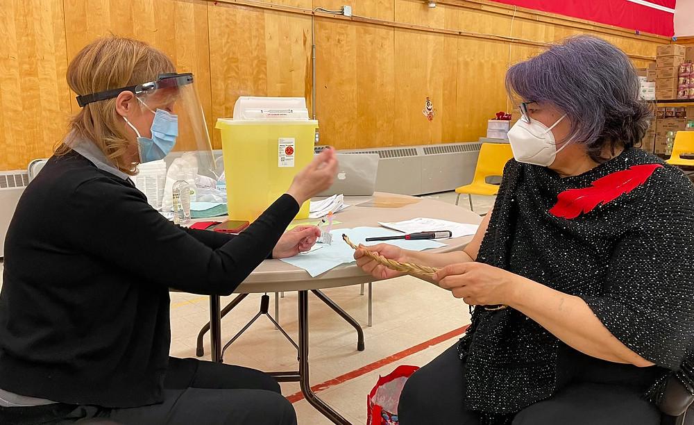 Los habitantes de Ontario de 55 años o más ahora pueden solicitar sus citas de vacunación COVID-19.