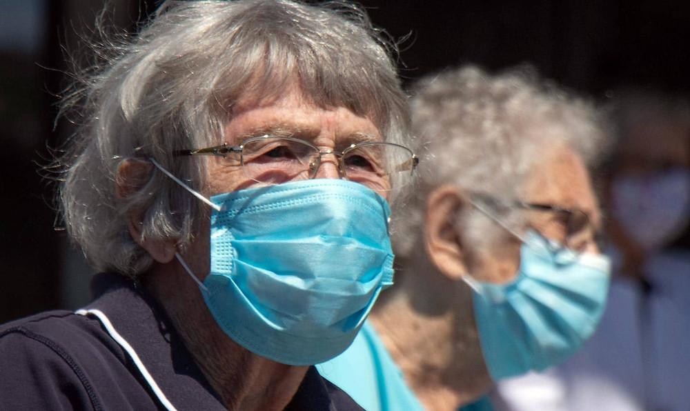 Los médicos se comunicarán con los habitantes de Ontario de 80 años o más para las citas de vacunación, dicen los funcionarios.