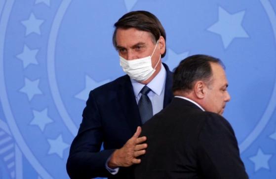 La investigación sobre Bolsonaro y su ministro de Salud, Eduardo Pazuello, sigue las solicitudes de ocho congresistas federales del Partido Comunista de extrema izquierda de Brasil para que se inicie una investigación.