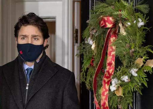 Trudeau enfrenta críticas por demora con las vacunas