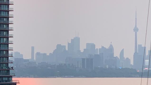 Environment Canada ha emitido advertencias especiales sobre la calidad del aire para Toronto debido al humo que, según dice, proviene de los incendios forestales que arden en el noroeste de Ontario.